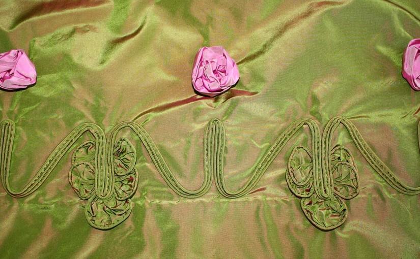 1830´s rose tendril inspired trim / Biedermeier Rosenranke als Rockverzierung
